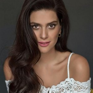 Bergüzar Korel Kollywood yolcusu